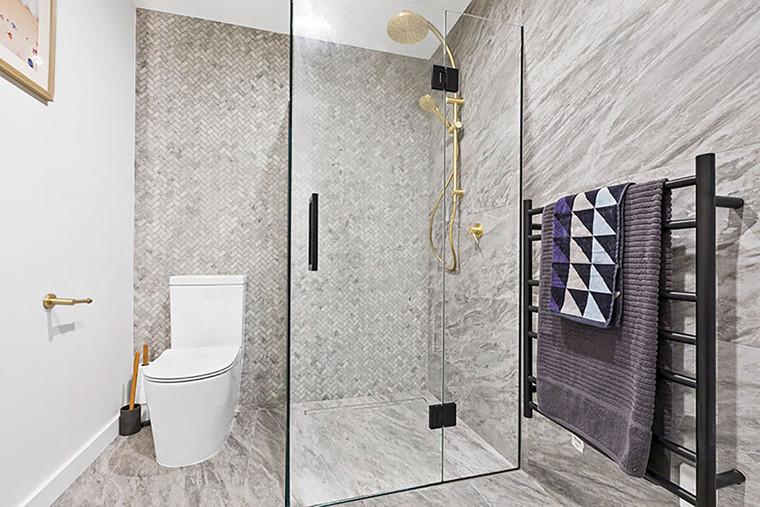 Carrara Whi Herringbone 23x48