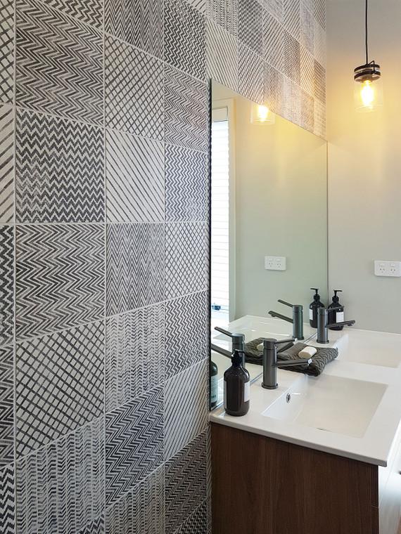 Maku Deco Light Bathroom