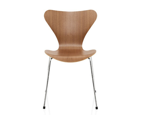 Fritz Hansen - Series 7 stacking chair Natural Veneer