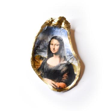 The Mona Lisa Oyster Shell