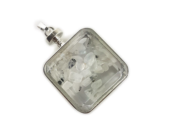 30x30mm Rutilated quartz chips in square glass pendant