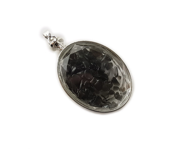 32x42mm Smoky quartz chips in oval glass pendant