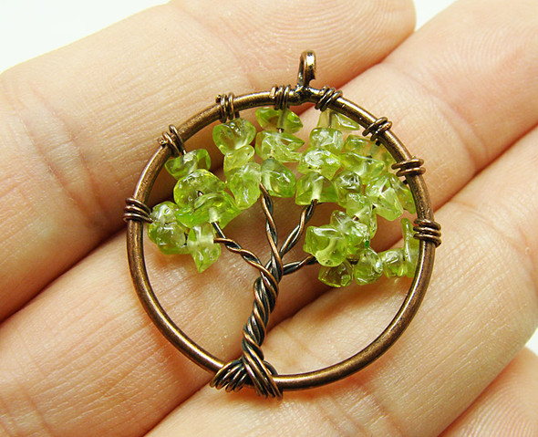 30mm Peridot tree of life brass wire pendant