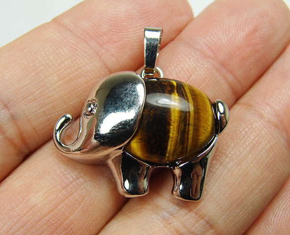 20x27mm Tiger eye small elephant pendant