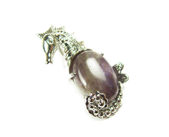 18x33mm Amethyst sea horse pendant