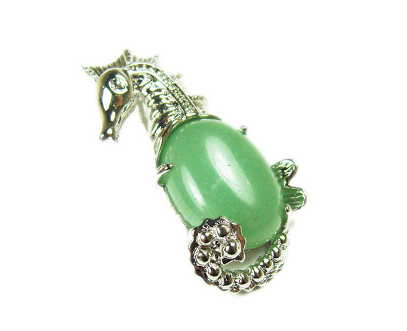 18x33mm Green aventurine sea horse pendant