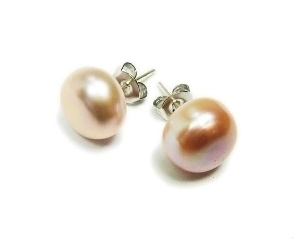 9mm Peach-Colored Pearl Stud Earrings