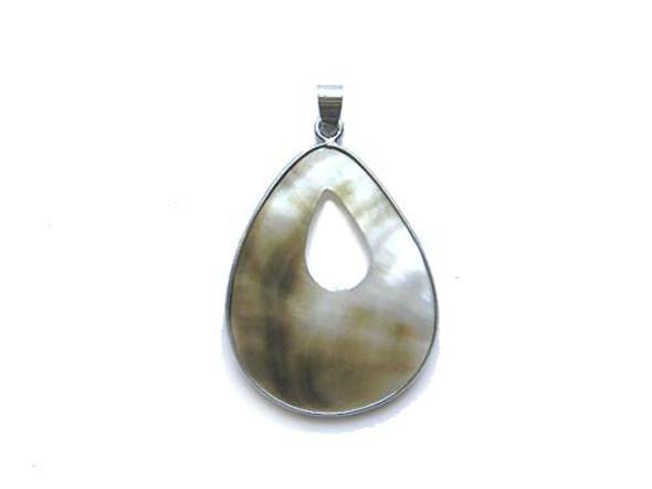 30x40mm Black sea shell teardrop pendant