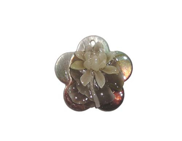 30mm Mother of pearl shell star pendant