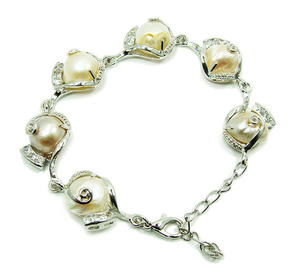7 - 8.5 inches Natural pearl and crystal fashion bracelet