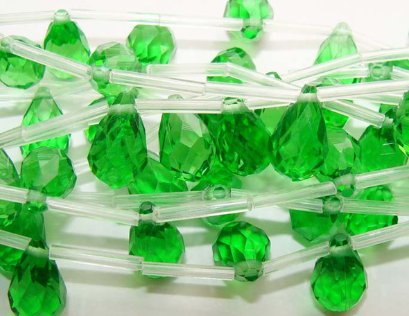 8x12mm Green Pear-Shaped Faceted Glass Beads