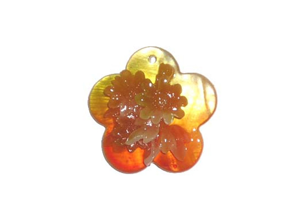 30mm  golden yellow Mother of pearl shell star pendant