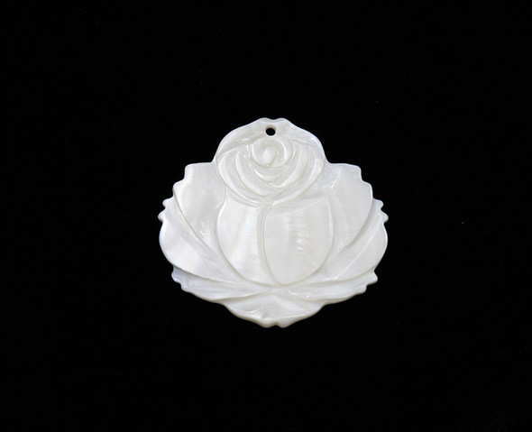 45x43mm Mother Of Pearl Shell Carved Rose Flower Pendant