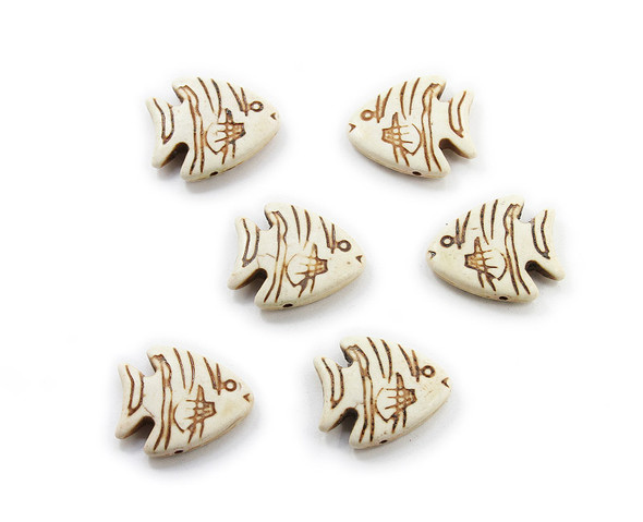 23x26 Pack Of 6 White Howlite Carved Fish Beads