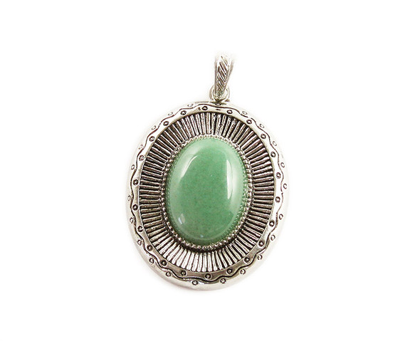 40x45mm Green aventurine oval pendant with metal frame
