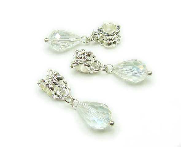 8x12mm Pack Of 5 White Faceted Glass Briolettes With Silver Hanger