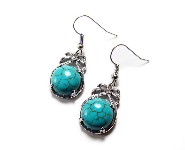 15x20mm length Turquoise howlite round earrings