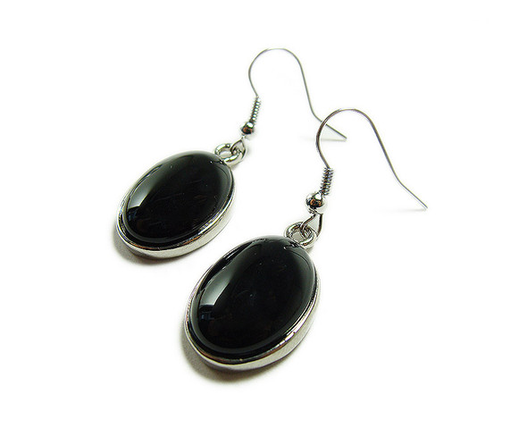 15x20mm Black onyx oval earrings with silver metal frame