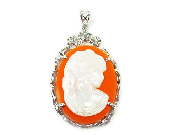30x40mm White Mother Of Pearl Cameo Pendant