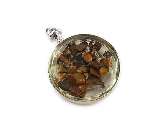40mm Tiger eye chips in round glass pendant