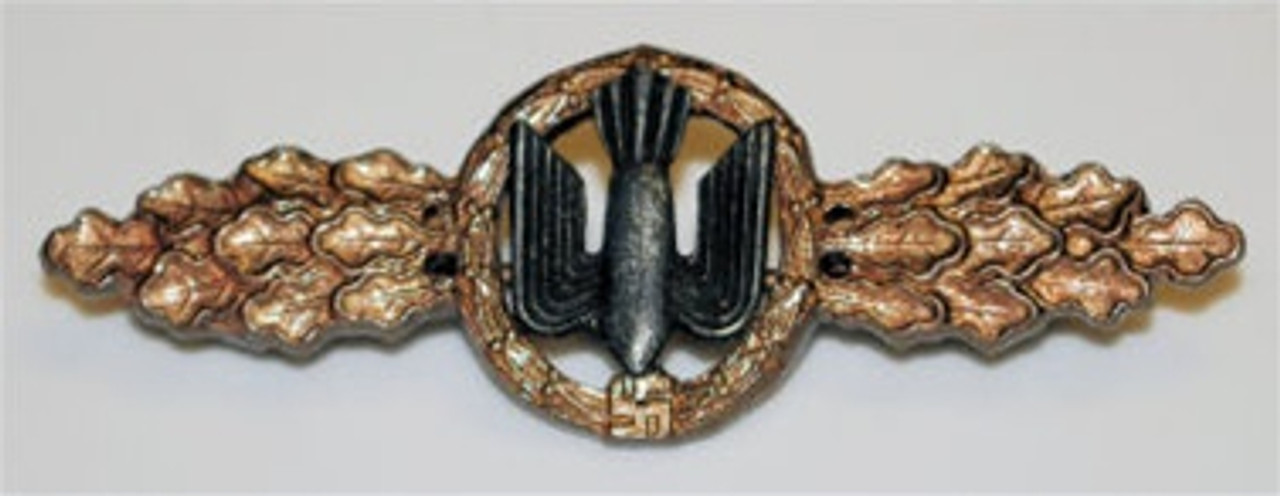 Luftwaffe Bomber Clasp - Bronze from Hessen Antique