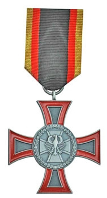 Bundeswehr Cross Of Honor For Outsanding Deeds - Silver from Hessen Antique