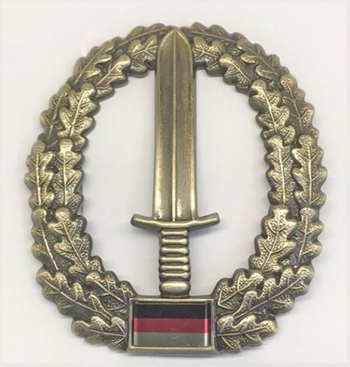 Bw Kommando Spezialkräfte Beret Badge from Hessen Antique