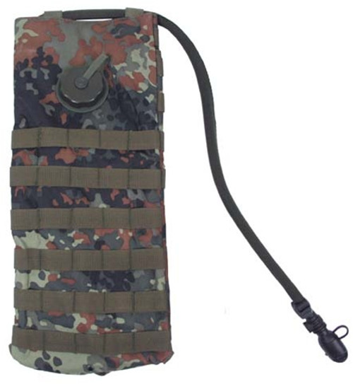 MOLLE 2.5L Flecktarn Hydration System from Hessen Antique