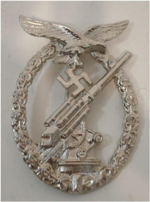 Luftwaffe Flak Badge  (FLAK-Kampfabzeichen) from Hessen Antique