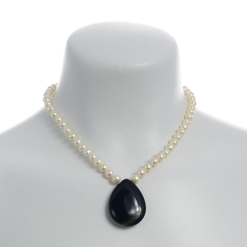3f34b8c59ba3c Patagonia - White Pearl & Onyx Pendant Necklace