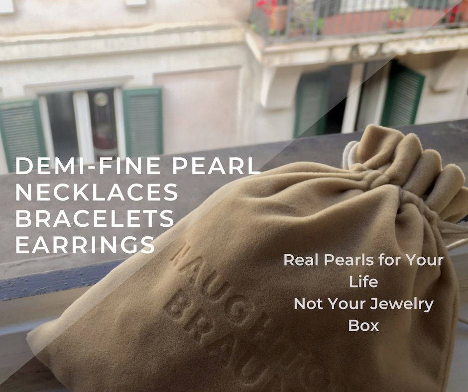 demi-fine-pearl-jewelry-velvet-bag-in-paris.png