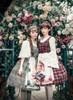 Model Show (headdress: P00639, blouse: TP00142N, TP00157, petticoat: UN00019)