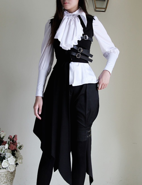 Model Show (blouse TP00017, breeches SP00019)
