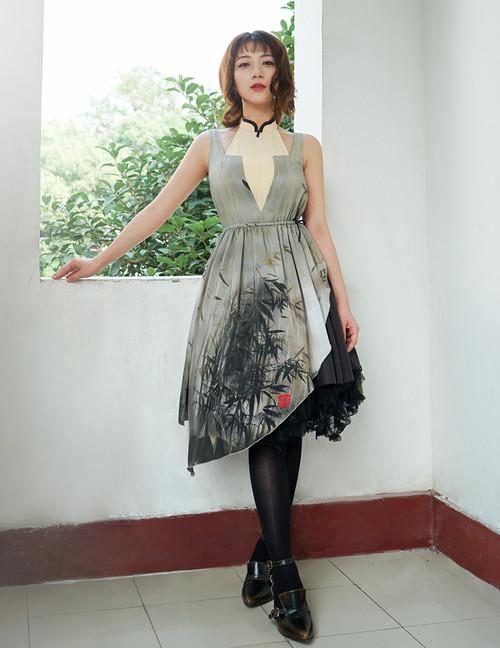 Model Show (Twilight Raining Grey Grove Ver.) (petticoat: UN00026, leggings: P00182)
