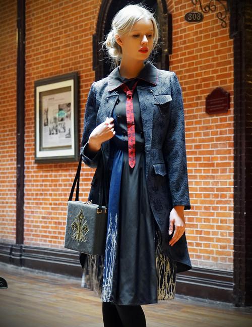 Model Show (silk dress: S03034, bag: P00618)