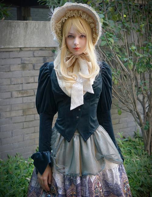 Model Show (Dark Green Ver.) (bonnet: P00577N, blouse: TP00165, skirt: SP00192, petticoat: UN00026)