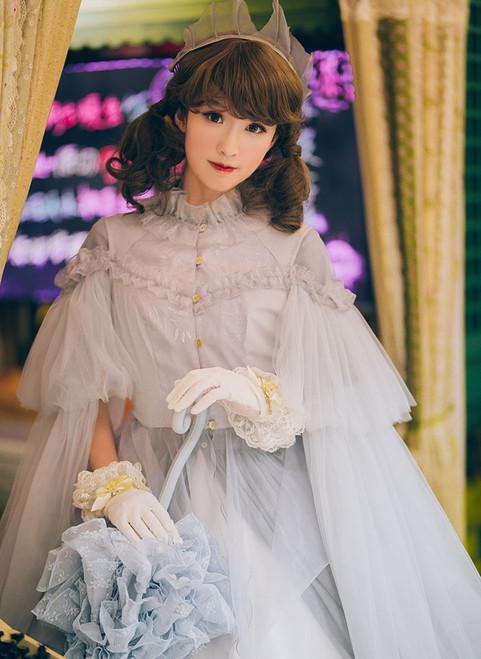 Model Show (Light Grey Ver.) (headdress: P00626, dress set underneath: DR00222, gloves: P00592)