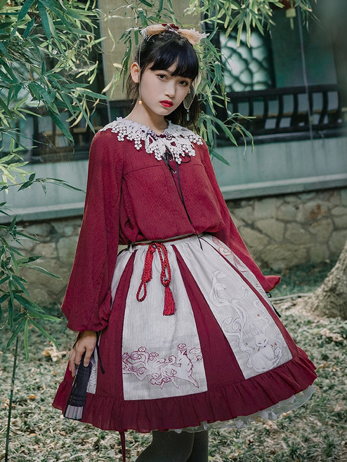 Model Show (Beige + Burgundy Ver.) (headdress: P00656, blouse: TP00179, petticoat: UN00026)