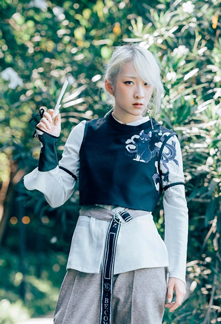 b97821beee86 Sleeping Fox, 啻九 ChiJiu Chic New Chinese Style Dandy Cool Fashion Unisex  Long Sleeves White Shirt, Black Vest, Wrist Piece and Waist Belt 4pcs Set*Instant  ...