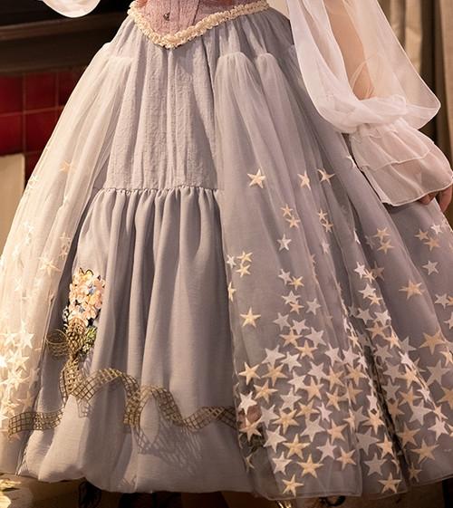 Model Show (dress underneath: DR00261, petticoat: UN00028)