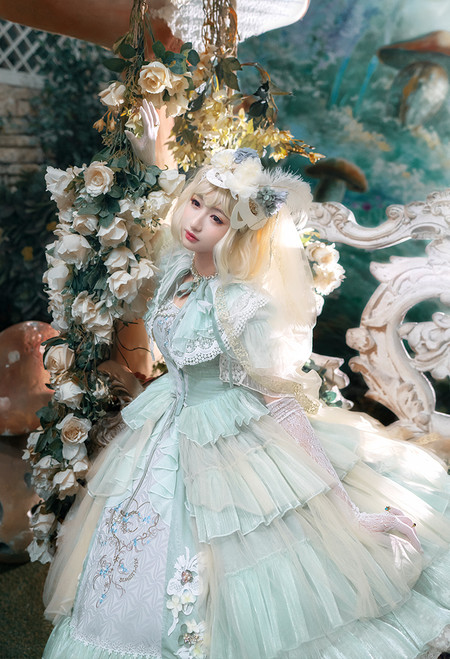 Model Show (Fairy Mint Ver.) (mask from P00670, veil: P00659, ruffle collar: P00666, underskirt: SP00176, petticoat: UN00019 & UN00026)