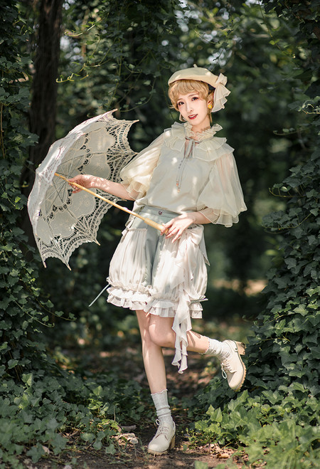Model Show (Sage Green + Light Beige Stripes Ver.) (hair bow: P00679, blouse: TP00157N)