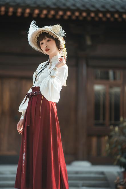 Model Show (bonnet: P00577N, skirt: SP00198E)