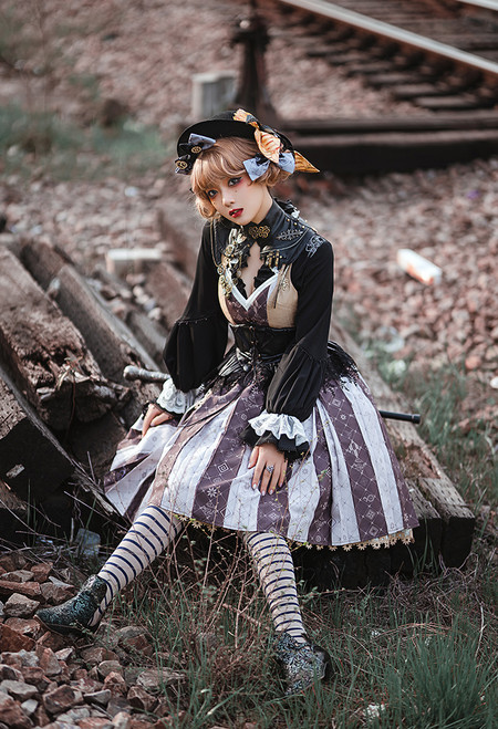 Model Show (Black Oolong Tea Ver.) (hat: P00702, hair bows: P00701, false collar: P00698, JSK: DR00277, blouse: TP00191)