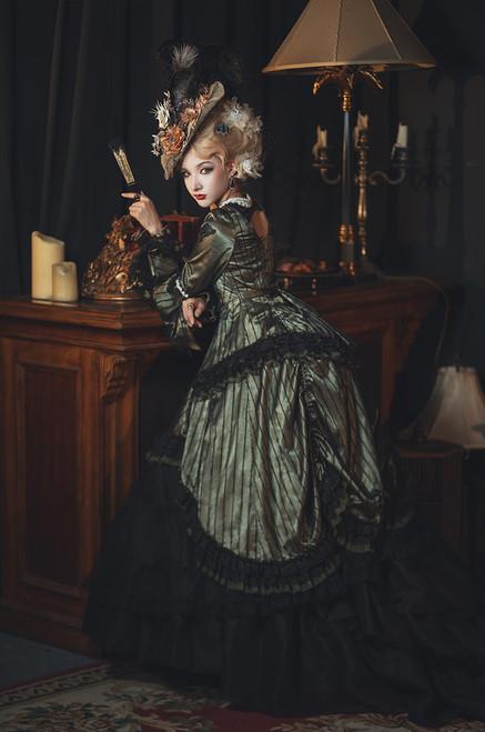 Model Show (headdress: P00715, dress: DR00286, underskirt: UN00032X)