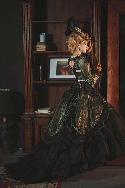 Model Show (headdress: P00715, dress: DR00286, corset: Y00047, bustle pillow: P00714) *extra petticoat underneath NOT FOR SALE