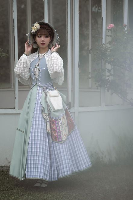 Model Show (Off White Ver.) (bonnet: P00730, shirt & cape: TP00197, vest & skirt piece: CT00332, skirt: SP00229, underskirt: UN00030N)