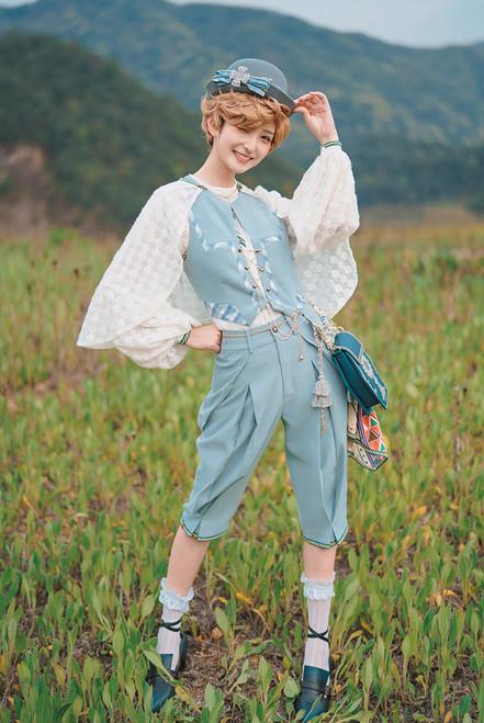 Model Show (Light Blue Ver.) (hat: P00731, vest & skirt piece: CT00332, shirt & cape: TP00197, bag: P00735)
