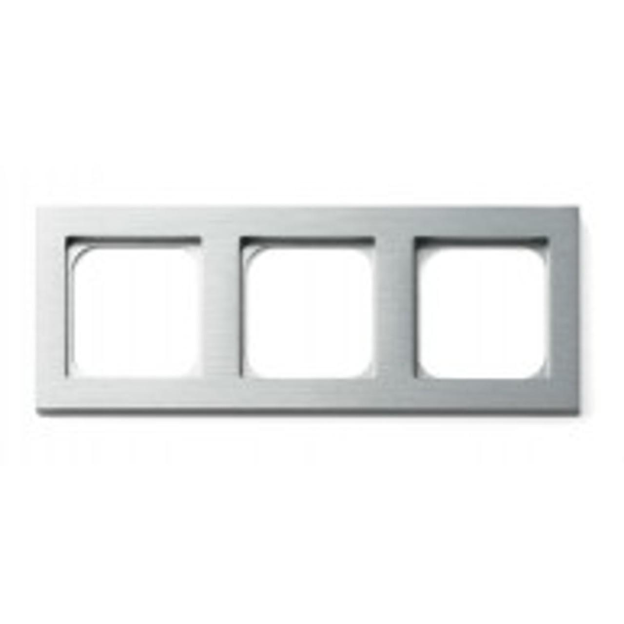 Frame - 3 gang - brushed aluminium