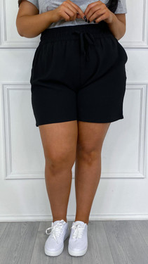 Get That Trend Only Carmakoma Black Loose Fitted Shorts